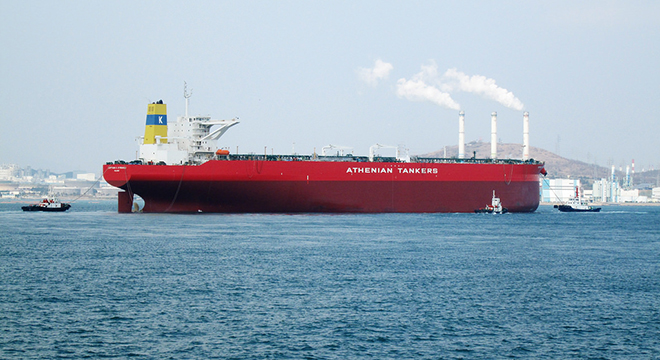 (写真7)VLCC(Very Large Crude Oil Carrier)